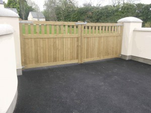 Manor-Entrance-Gate.3-300x224