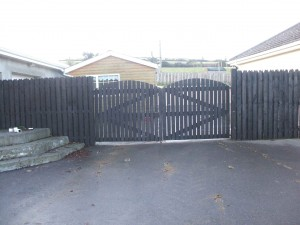 arch-picket-gates-003-300x225