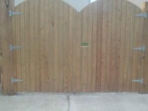 tgv-double-gates-400x400